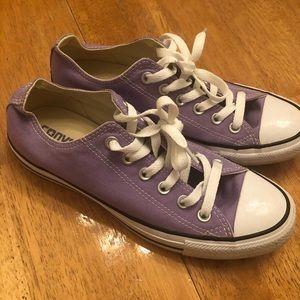 Converse chuck's pretty purple excellent cond 8.5